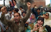 Pakistan plunges into uncertainty as PM ousted
