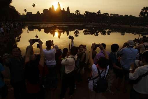 Archaeologists excavate 13 century statue in Cambodia