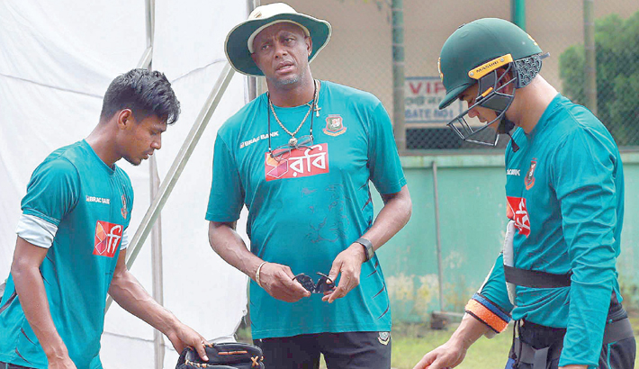 Bangladesh National Cricket Team bowling coach Courtney Walsh
