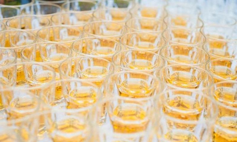 Moderate drinking may affect longevity, keep dementia at bay