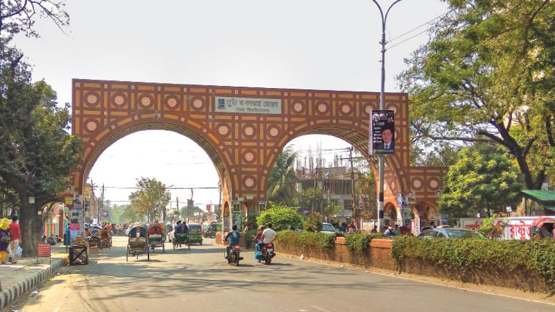 Motorcyclist killed in road crash at Dhaka University