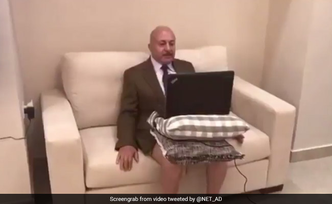 Analyst gives interview to Al Jazeera without pants, his son 'exposed' him in viral video