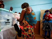 Woman gives birth at polling station, returns to cast vote later