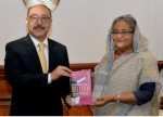 Indian envoy hands over book on Modi government  to Prime Minister