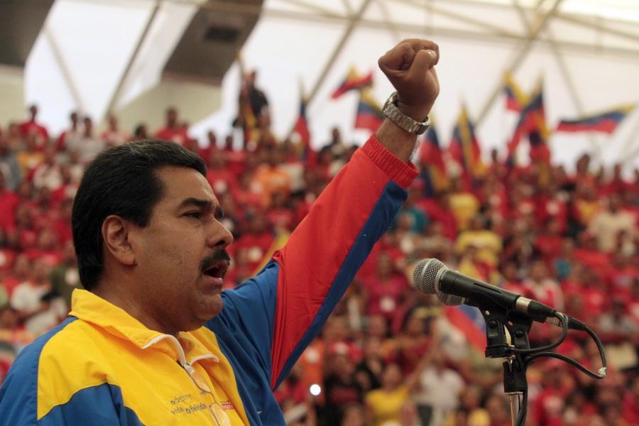Peru expels Venezuela ambassador as pressure on Maduro grows