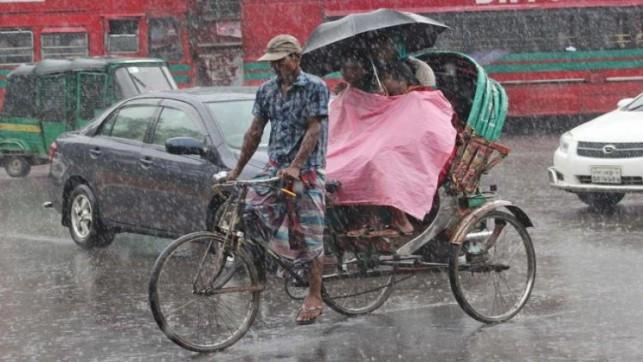 Rain brings miseries to city life