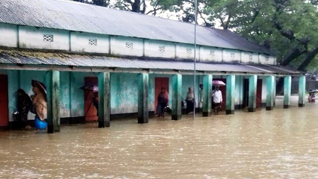 Upstream water, rain triggers flood in north, northeast districts