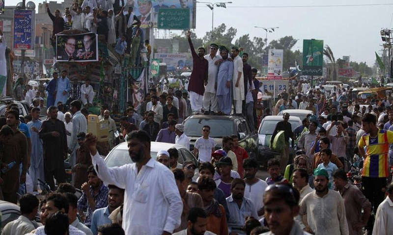 Motorcade of former Pakistan PM Nawaz Sharif kills boy at rally