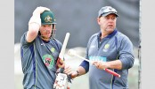 Lehmann backs Warner to improve Asian records