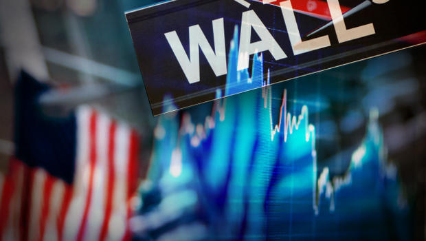 US stocks snap 3-day losing streak in roller coaster week