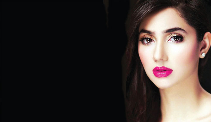 Felt like being punched in stomach with Raees: Mahira
