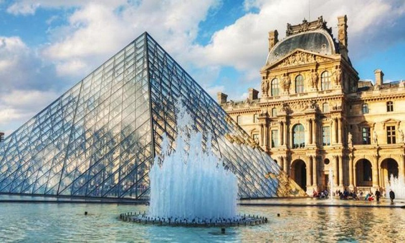 France remains world's favourite tourism destination