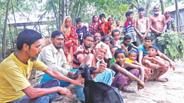 800 Indian flood-hit victims take shelter in Lalmonirhat