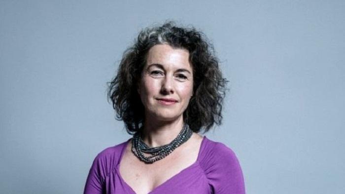 Sarah Champion quits Labour front bench over rape article