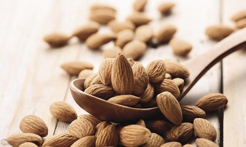 Why you must eat almonds daily. They help eliminate bad cholesterol