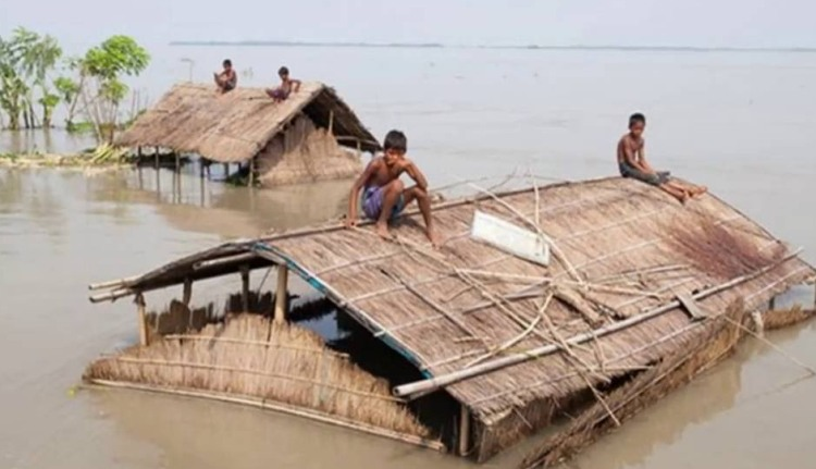 Flood claims 4 more lives in Dinajpur
