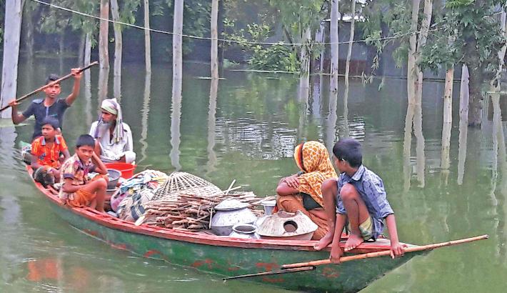 Displaced people returning homes amid improving flood situation