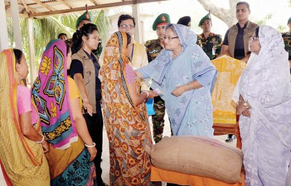 Prime minister to visit Kurigram, Dinajpur Sunday to see flood victims