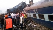 Train derails in northern India, killing at least 10