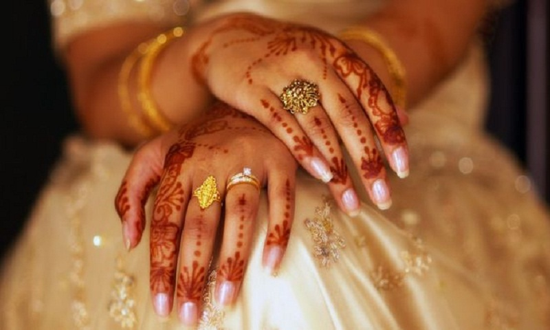 Indian top court rules against instant divorce in Islam