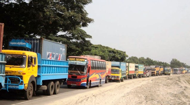 20-km tailback on Dhaka-Chittagong highway