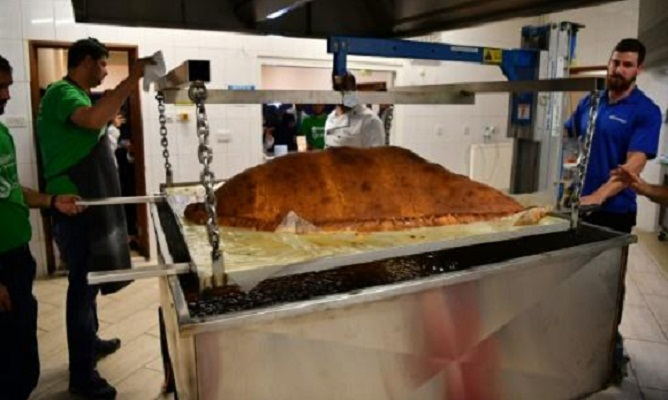 World's largest samosa record smashed in London