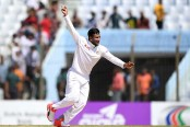 Bangladesh pick up 3 early wickets