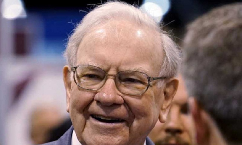 Warren Buffett becomes bank of America's top shareholder