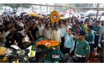 People from all walks of life pay homage to Abdul Jabbar at Shaheed Minar