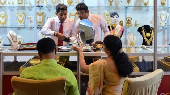 India's growth rate slows as new sales tax confuses firms