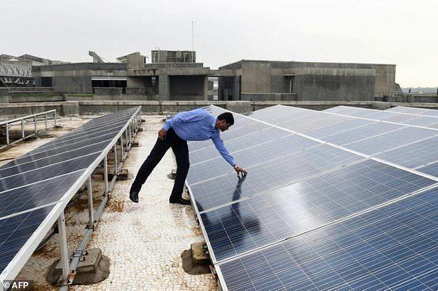 Air pollution throws shade on India's solar success