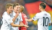 Germany hammer Norway, England edge past Slovakia