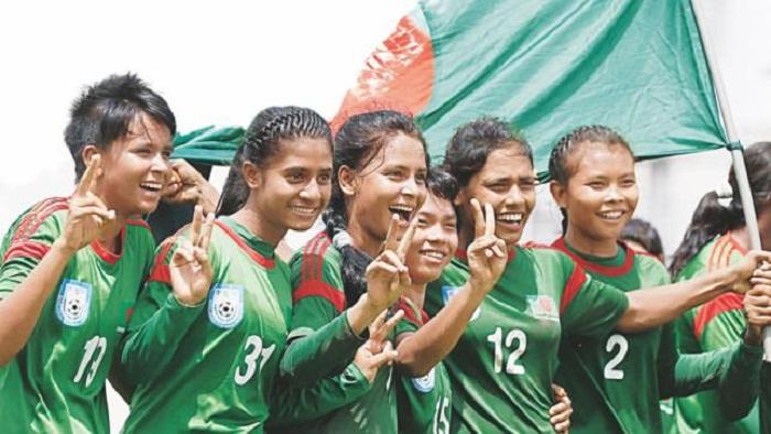 Bangladesh U-16 women's football team reach Thailand