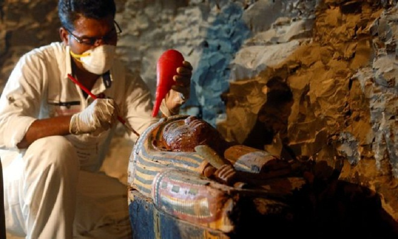 New mummies discovered in tomb near Luxor, Egypt