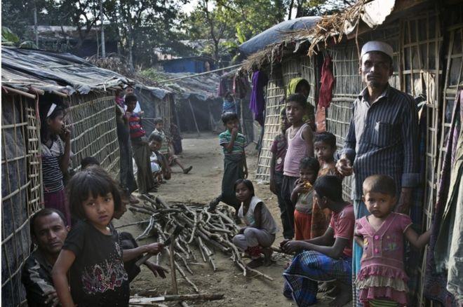 Diplomats visits Rohingya camps