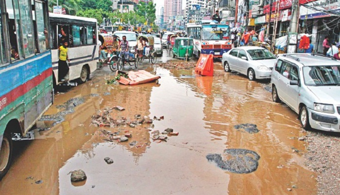 Potholes on roads compound sufferings of city people