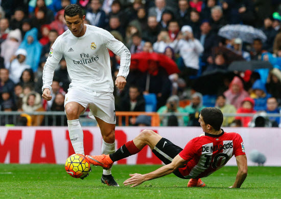 Ronaldo hits double in Real win