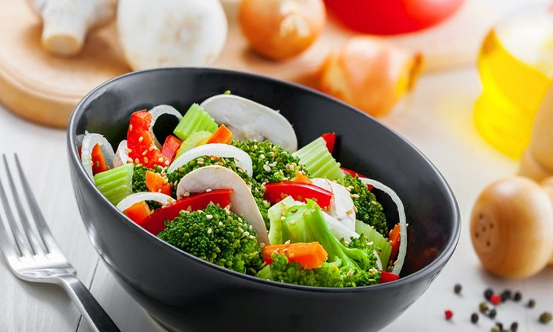Raw green broccoli: Facts and health benefits