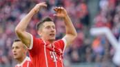 Lewandowski scores twice in Bayern romp