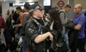 Parsons Green: Police hunt bomber behind Tube attack