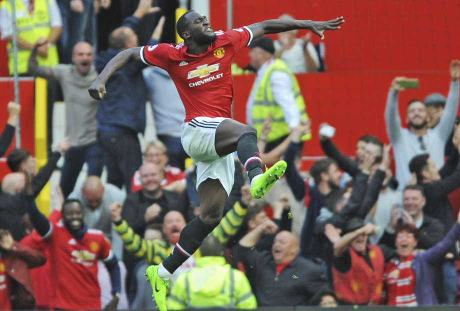 Lukaku compounds Everton's misery in Man United's 4-0 rout