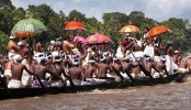 10 die in India river boat race