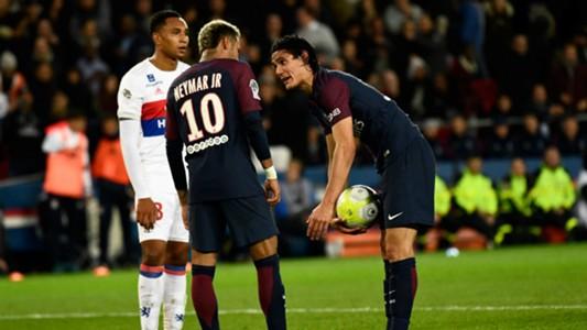 Neymar, Cavani argue over penalty as PSG keeps perfect start