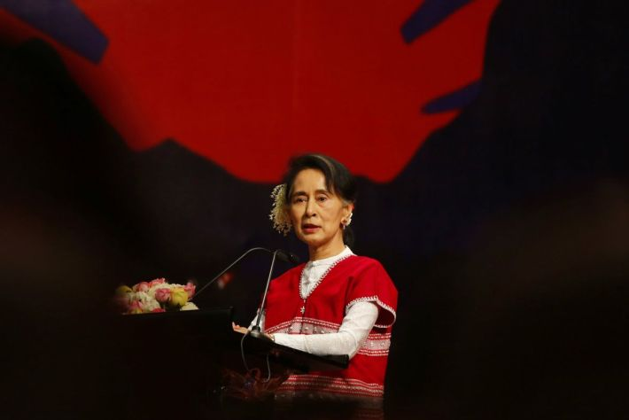 Ready to verify refugees status at any time to aid return: Suu Kyi on Rohingya crisis (Video)