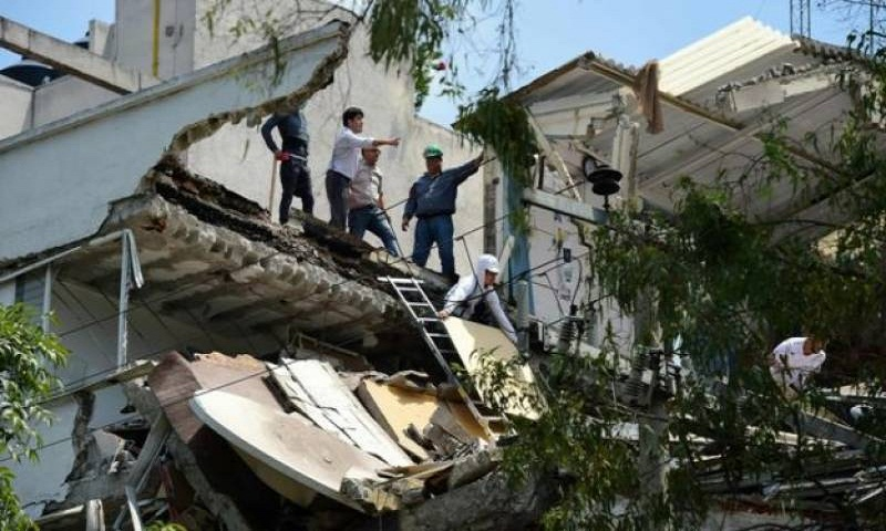 Mexico: Huge earthquake topples buildings, killing more than 200 (Video)