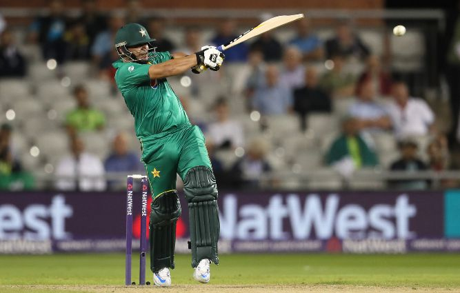 Pakistan bans Latif for five years over spot-fixing