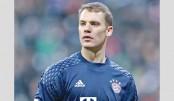 Bayern sweat over Neuer injury