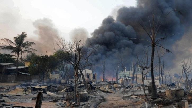 Fresh fires, bomb blast in Myanmar's Rakhine: government