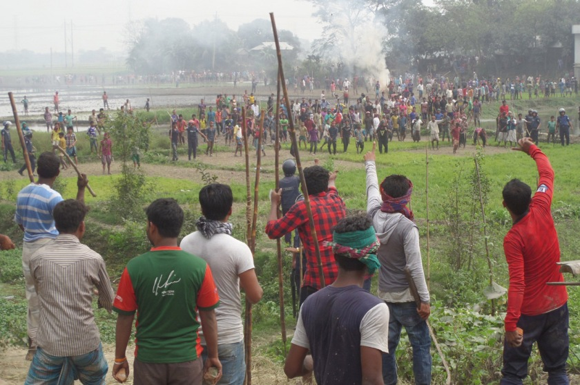 Villagers clash injures 15 in Narail