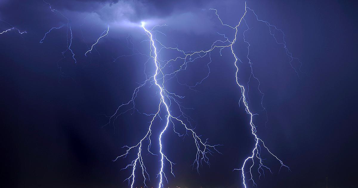 Lightning strikes kill 8 in 2 districts